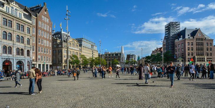 11 cose da fare ad amsterdam e 4 da non fare cosa farei for Hotel vicino piazza dam amsterdam